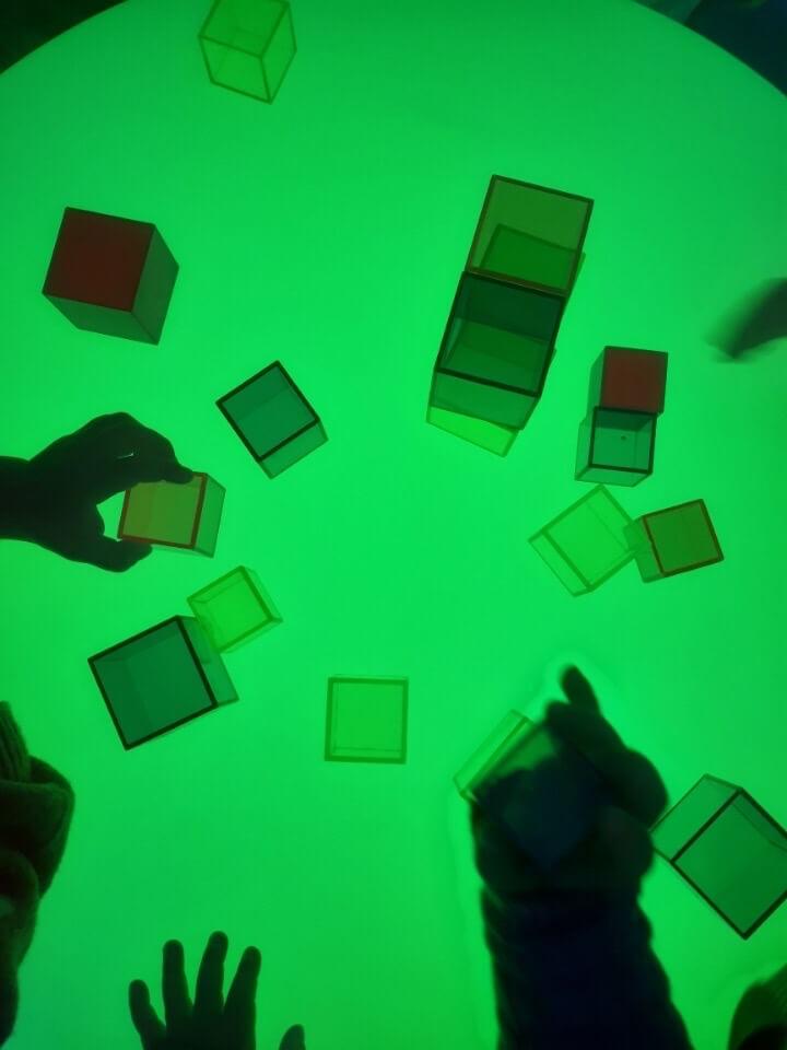 Grönt bord sensoriskt rum